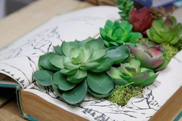 book-planters-diy