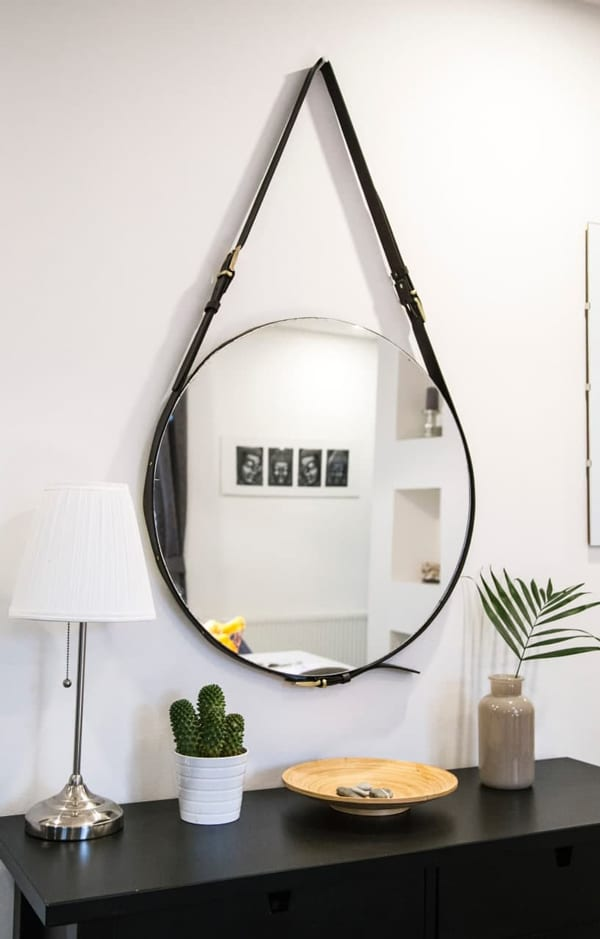DIY with hanging mirror