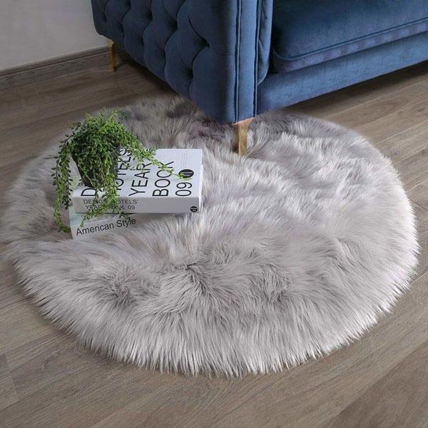 gray mini-Rug