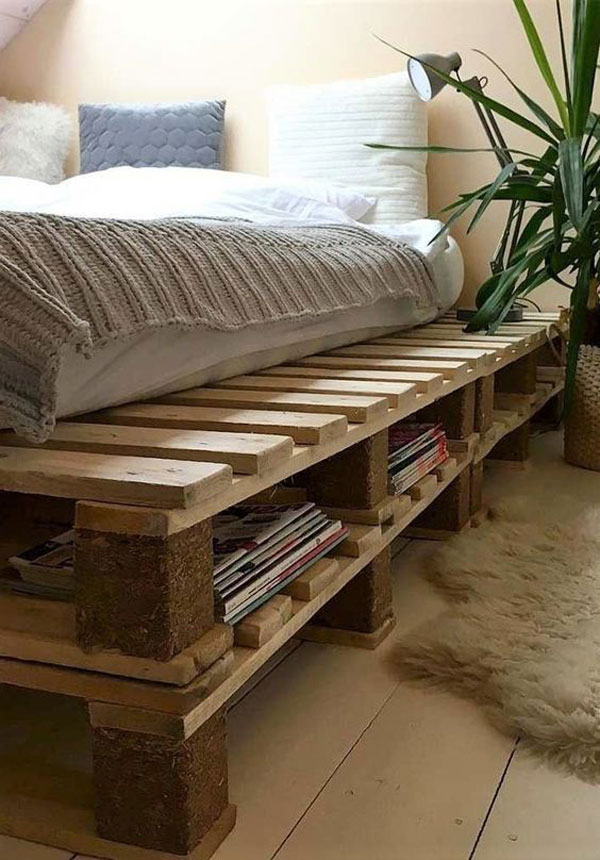a bedroom pallet-bed-with-library