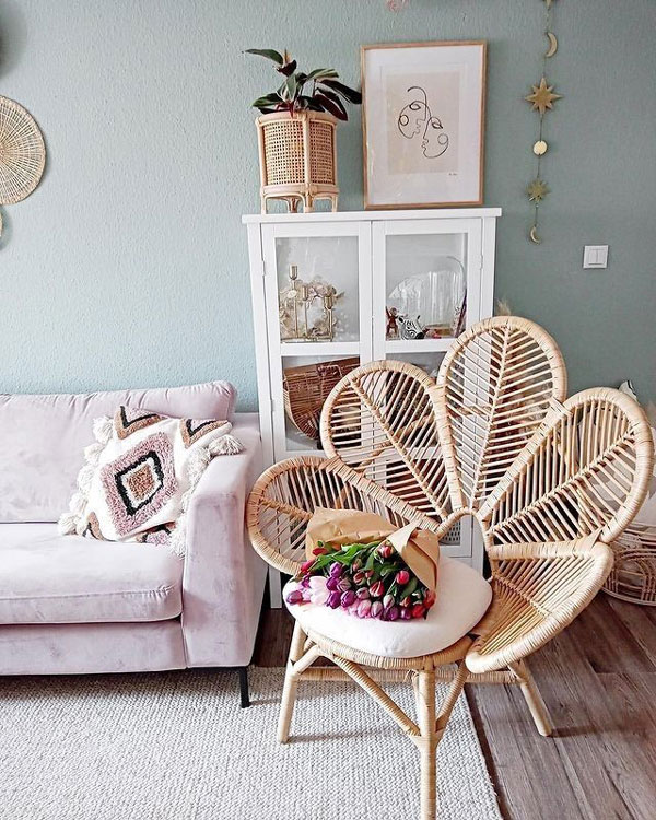 peacock-chair-boho-bedroom