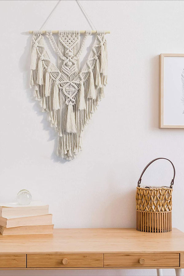 Decorate-the-wall-with-boho-macrame