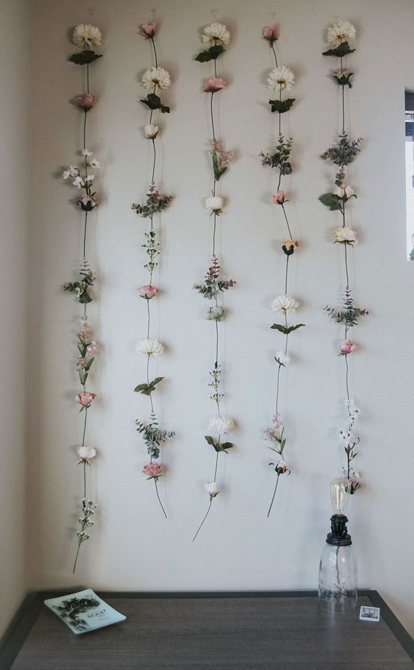 Decorate-the-wall-with-flower