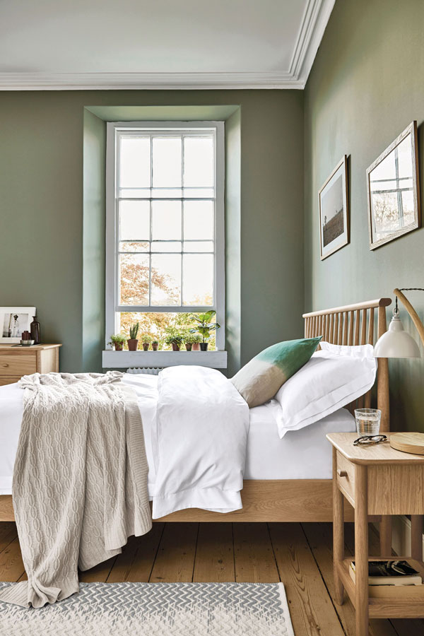 Green-bedrooms-color-schemes-with-natural-wood