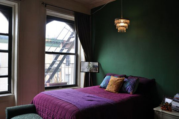 Green-wall-and-purple