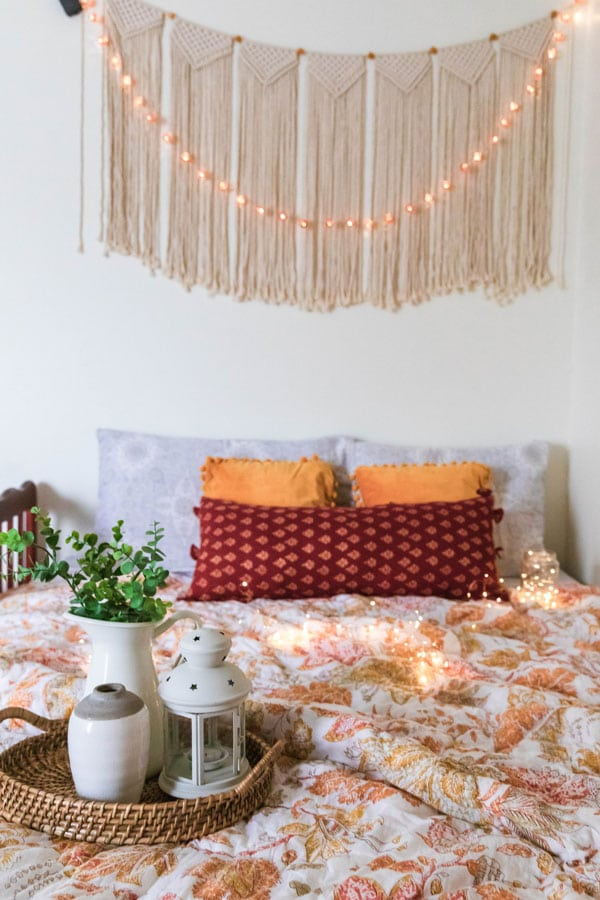 Macramé-on-the-wall-of-bedroom