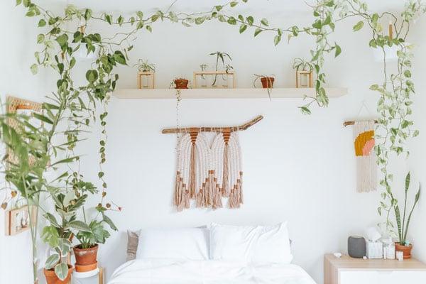 Macramé-wall-hangings-for-bedroom