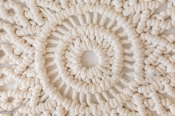 Macramé-with-Square-and-left-half-knots