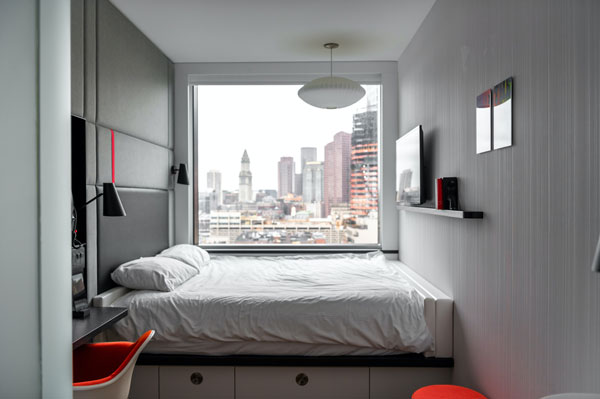 Use-sconce-lights-in-small-bedroom