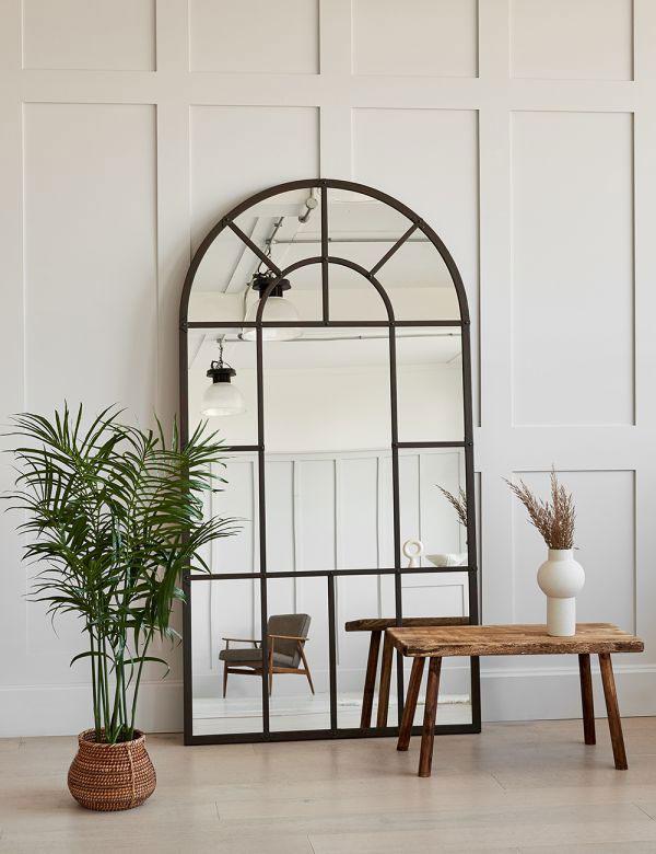 benefits-of-bedroom-wall-mirror
