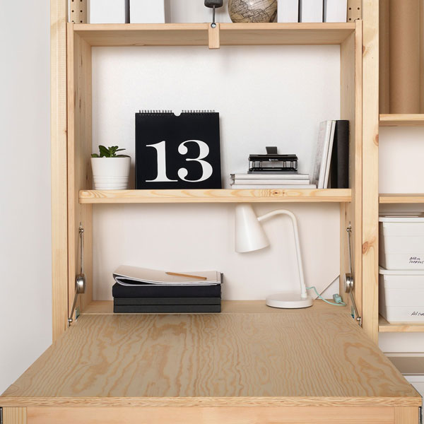 diy-wall-desk-with-white-wall-