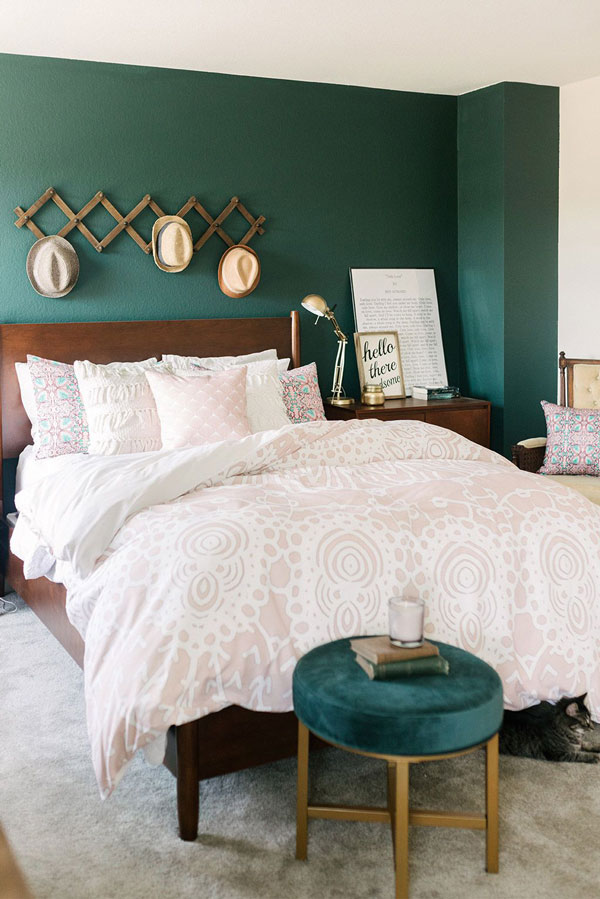 green-and-white-color-bedroom