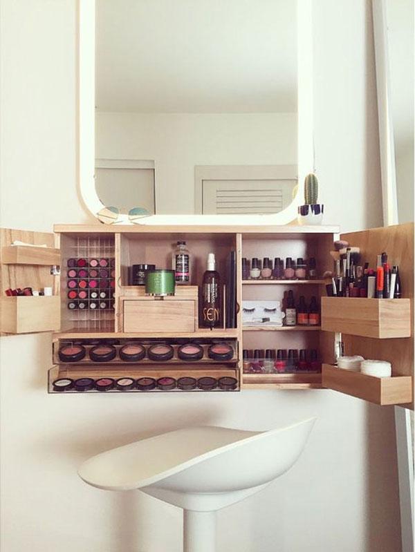 make-up DIY-wall-decor