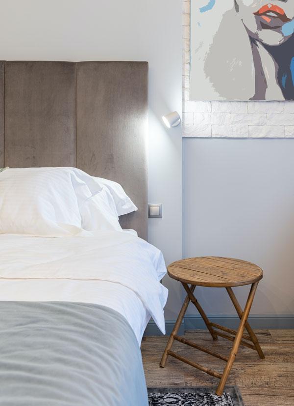 metal-sconce-bedroom