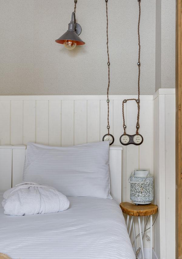 minimal-small-bedroom
