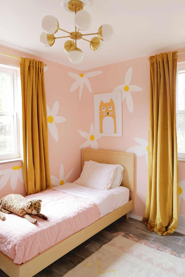 yellow-and-pink-bedroom