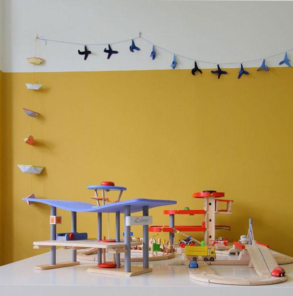 yellow-baby-bedroom-wall