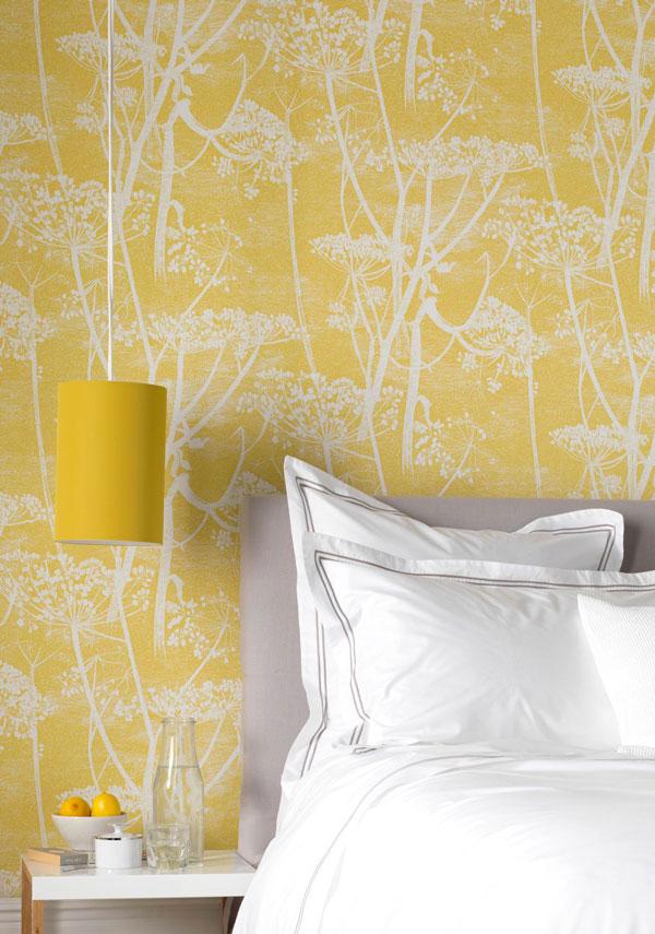 yellow-wallpaper-in-bedroom