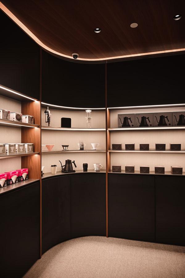 Lighting-inside-shelves