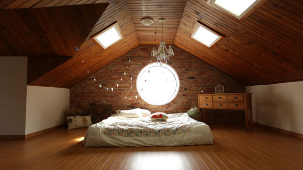 Tiny-house-lighting-for-bedroom