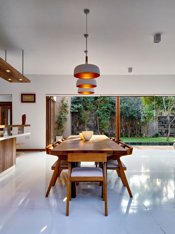 Use-linear-lights-in-home
