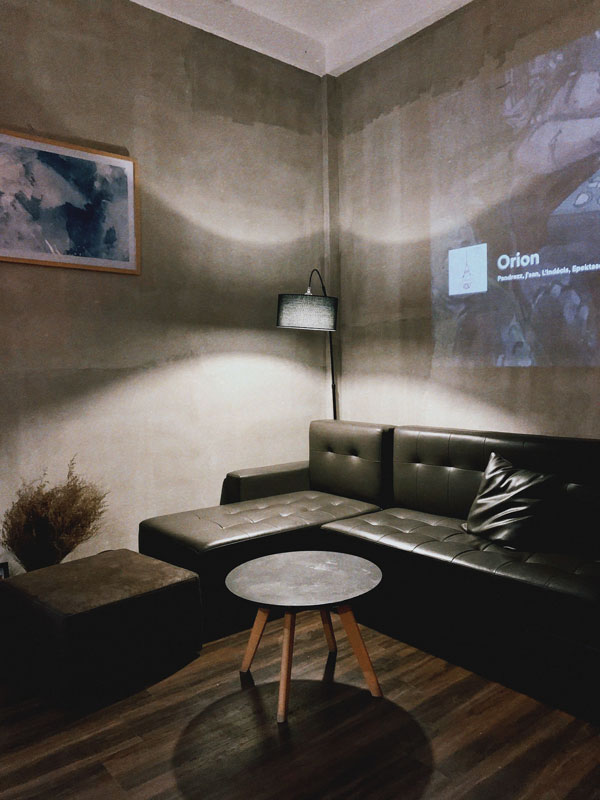 the-right-bubble-for-the-pendant-lamp-in-living-room
