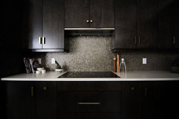 Lighting-above-the-kitchen-sink