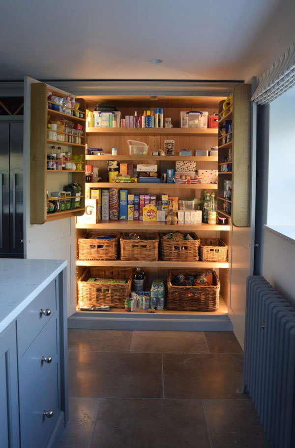 Lightings-inside-the-kitchen-drawers