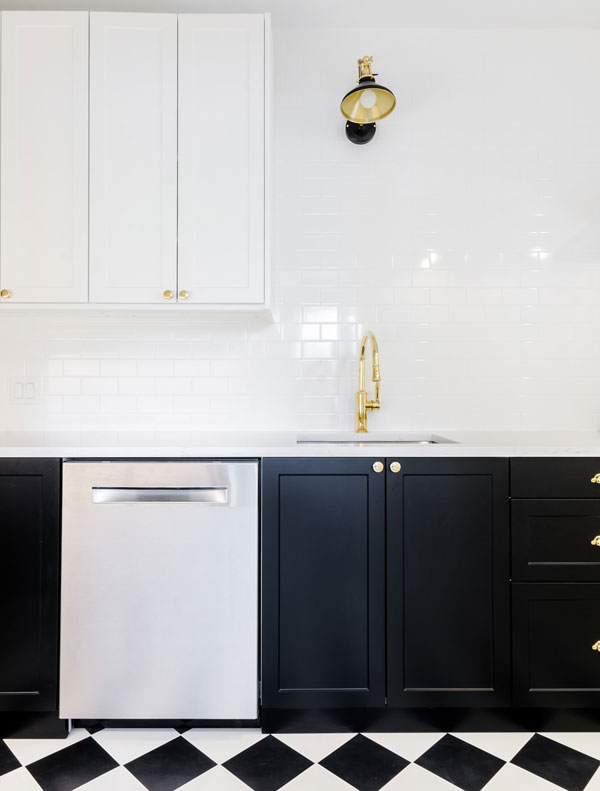 black-and-white-kitchen-paint-colors