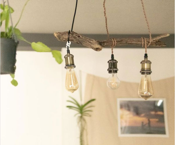 DIY lamp-driftwood