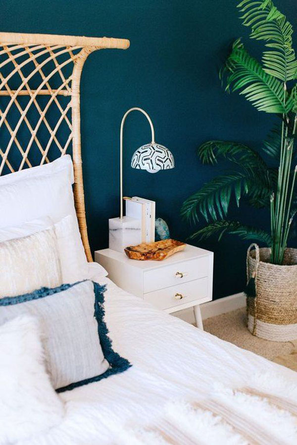 white-and-blue-bedroom